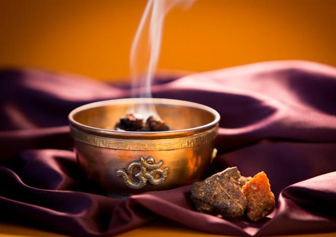 Természetes füstölőszerek: tudás és tradíció
