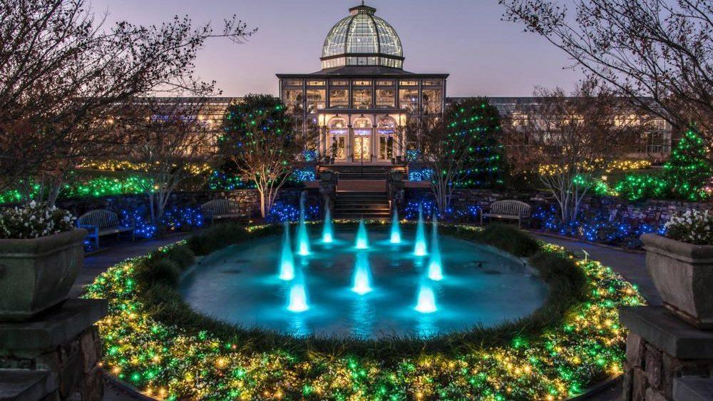 Ünnepi díszeivel még pompásabb lesz a világ egyik legszebb botanikus kertje