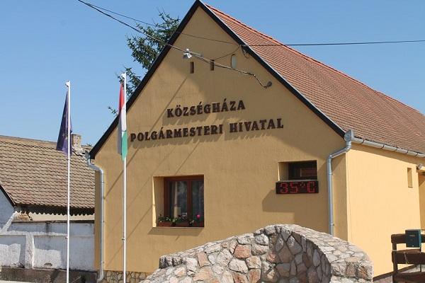 Pénzt kapnak a fogyókúrázók egy dúsgazdag magyar faluban