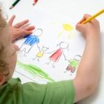 Mit üzen számodra gyermeked rajza?