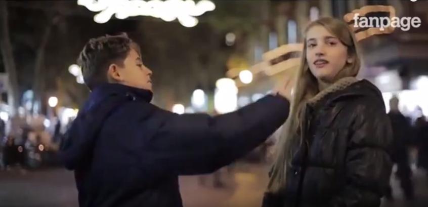 A kisfiúk még jól tudják, amit néhány férfi sajnos már elfelejtett – tanulságos videó