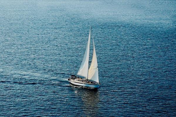 """""""Aki jól él, az úgy tud bánni a lelkével, mint a jó hajós a vitorlájával"""""""