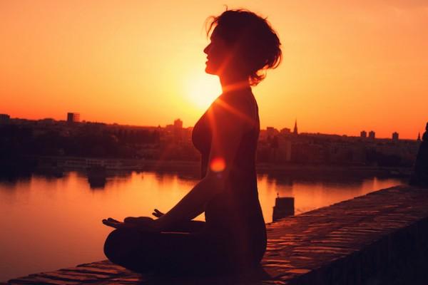 A meditáció előnyei: Így befolyásolja jótékonyan agyunkat a meditáció