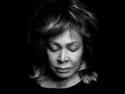 Tina Turner a gyerekekkel együtt énekelte a szanszkrit mantrát – a békéért