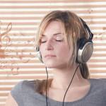 A zene gyógyító ereje – milyen zenét hallgassunk fejfájás vagy épp álmatlanság esetén?