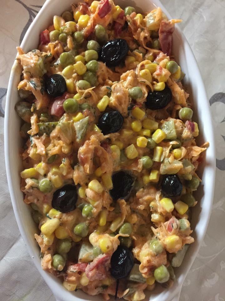 Zöldborsós sárgarépás török saláta