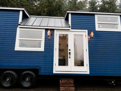 18 m²-es ház káddal és csillárral! Nem tévedés, ez mind belefér!