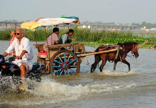Az indiai posta elkezdte árusítani a Gangesz vizét!
