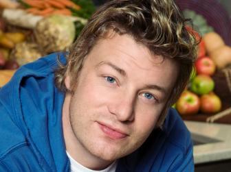Jamie Oliver 3 perc alatt bemutatja, hogyan készíts gyorsan ízletes pizzatésztát
