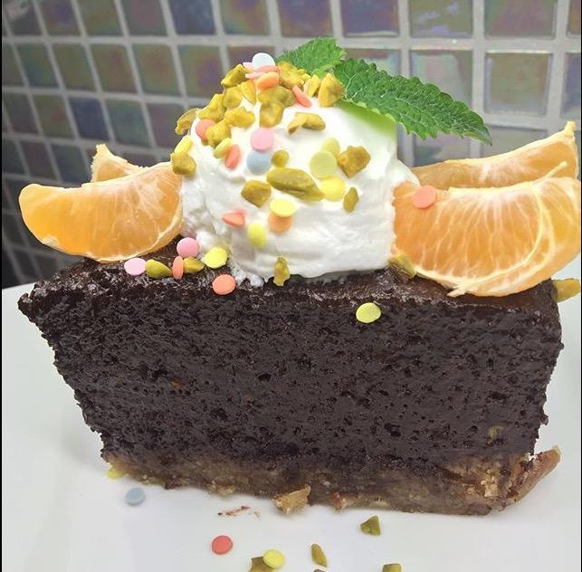 Ünnepi nyers torta