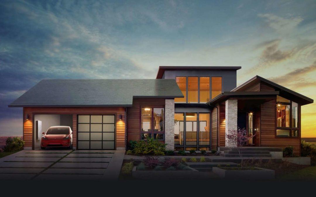 A jövő háza elkészült! A TESLA bemutatta új, napelemtetős konstrukcióját: teljes energiafogyasztás napenergiából!