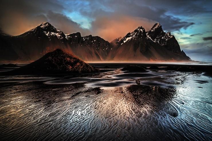 """Ritka, mint a """"fehér holló"""": Fekete homokos tengerpart Izlandon"""